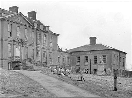 Ampthill cheshire home park house 1955 05 for Chesire house